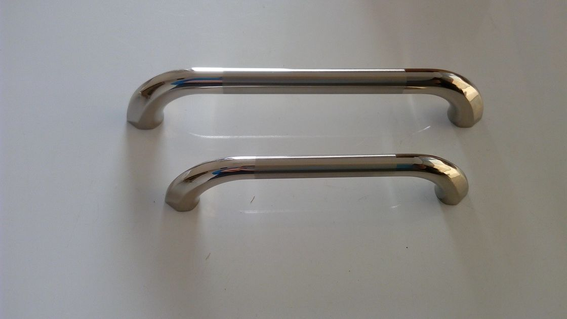 China Simple Style Furniture Handles And Pulls Golden Office Cabinet Handle Model 6005 Zinc Alloy Supplier